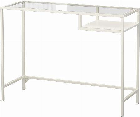 IKEAの4本脚机